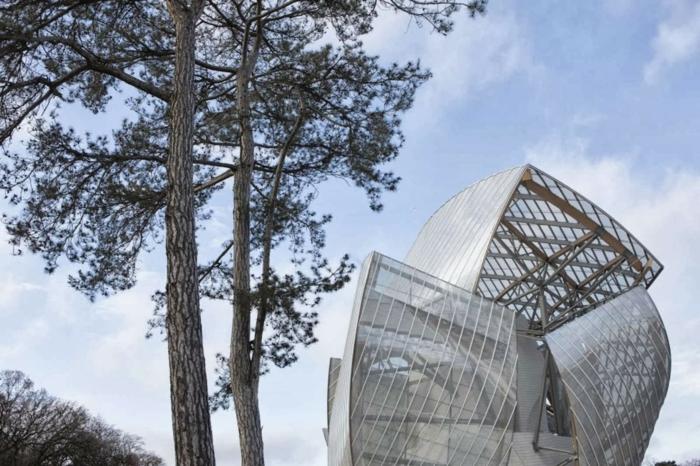 2-musée-louis-vuitton-batiment-artistique-moderne-marques-de-luxe
