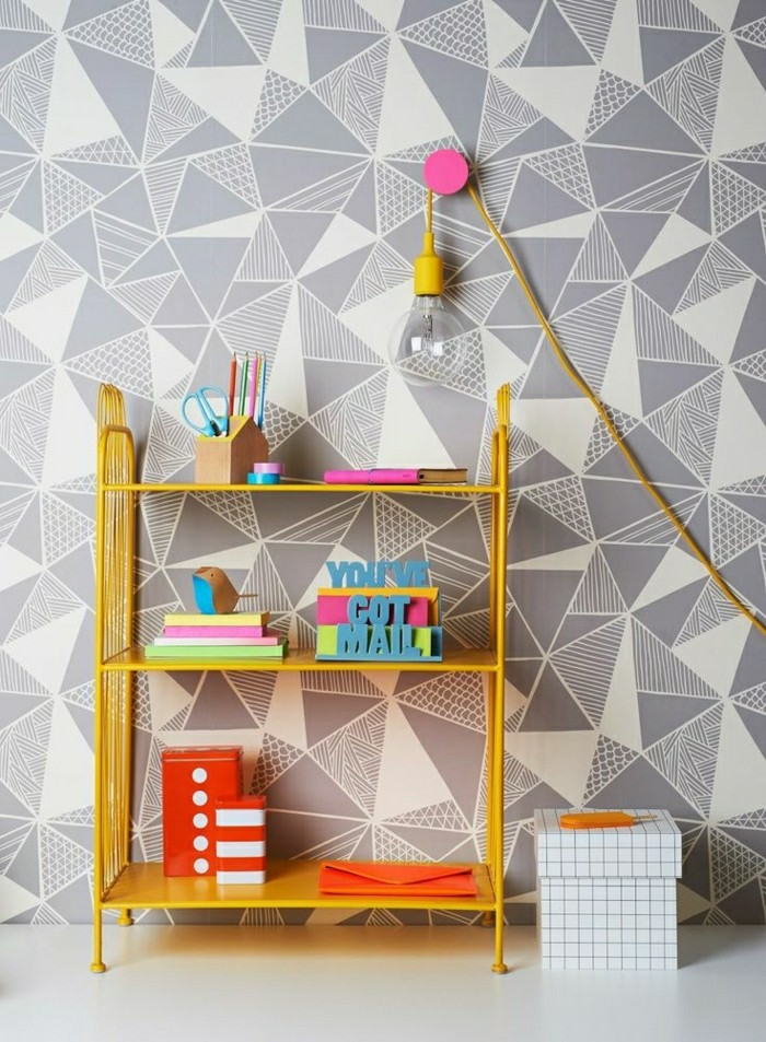 2-tapisserie-leroy-merlin-geometrique-gris-blanc-pour-la-chambre-à-coucher-moderne