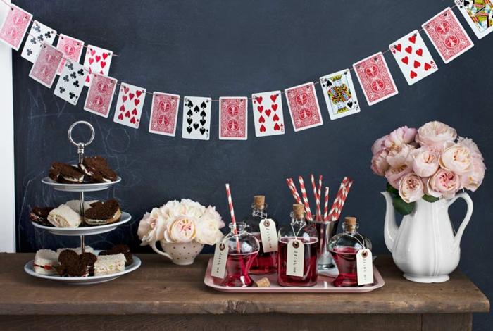 2-tea-party-alice-au-pays-des-merveilles-Disney-déco-anniversaire-fille-princesse-fête-cartes