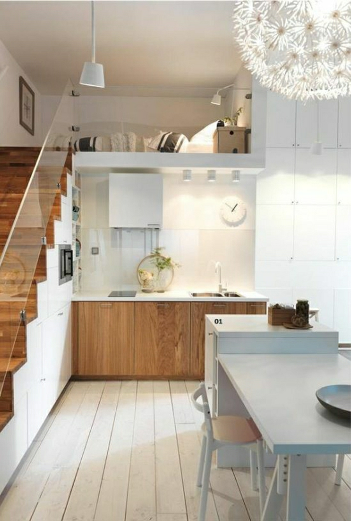 ... jolie-cuisine-sous-escalier-bien-aménager-avec-meubles-gain-de-place