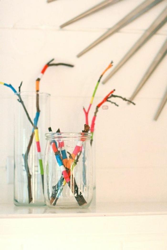 33-refaire-sa-maison-pas-cher-avec-cette-jolie-decoration-en-verre-avec-branches-colorés
