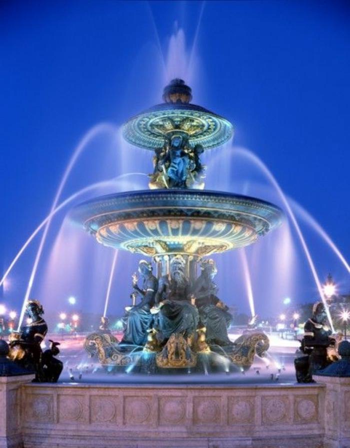 4-fontaine-des-mers-à-la-place-de-la-concorde-quoi-visiter-a-paris-idee-vacances-pas-cher-en-france