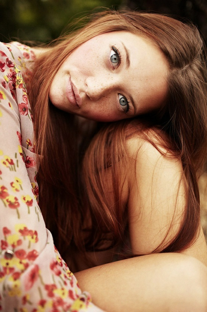 4-la-couleur-caramel-cheveux-couleur-châtain-idée-coiffure-longue-femme-belle-lunes