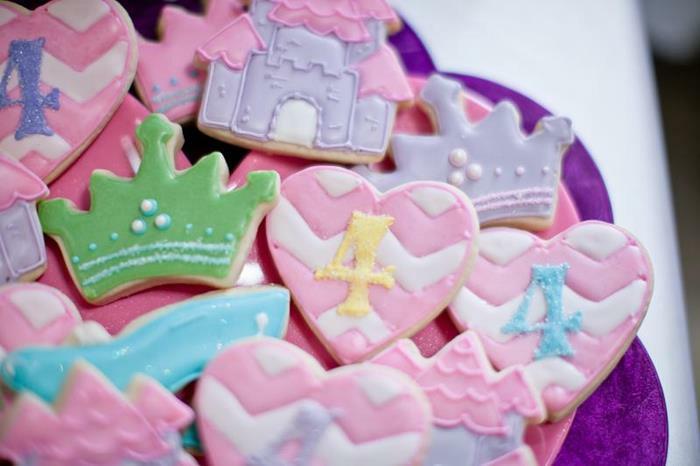 Aurore-la-belle-au-bois-dormant-idées-déco-festive-disney-cookies