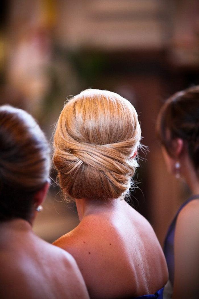 Chignon sur cheveux mi long pour mariage
