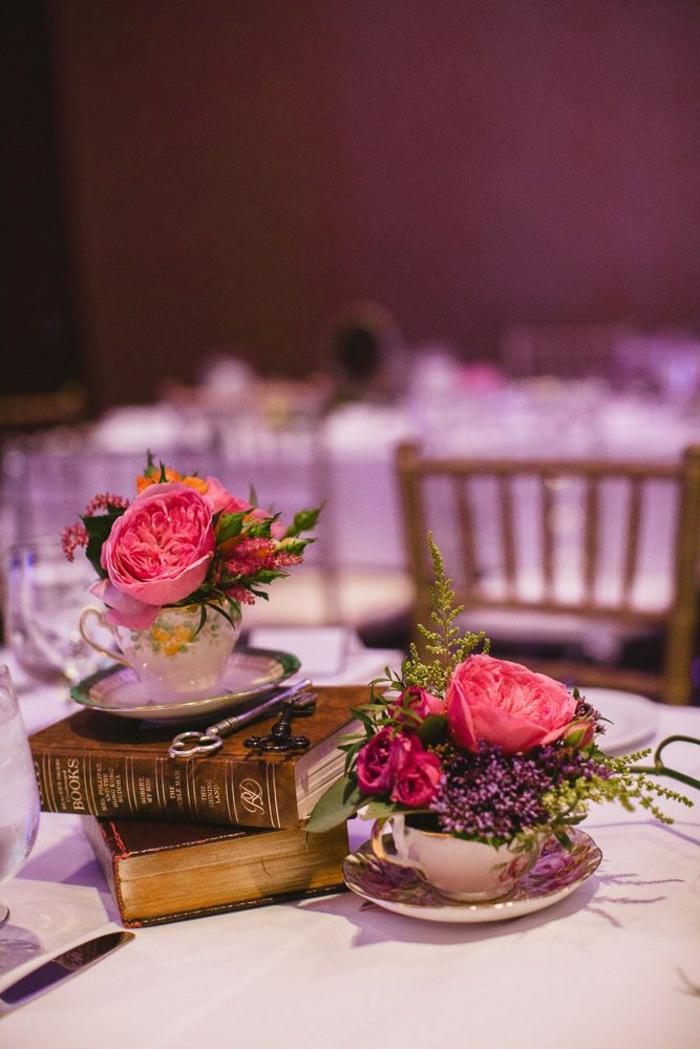 Disney-Alice-au-pays-des-merveilles-gâteau-mariage-fête-décoration-belle-avec-roses-originale