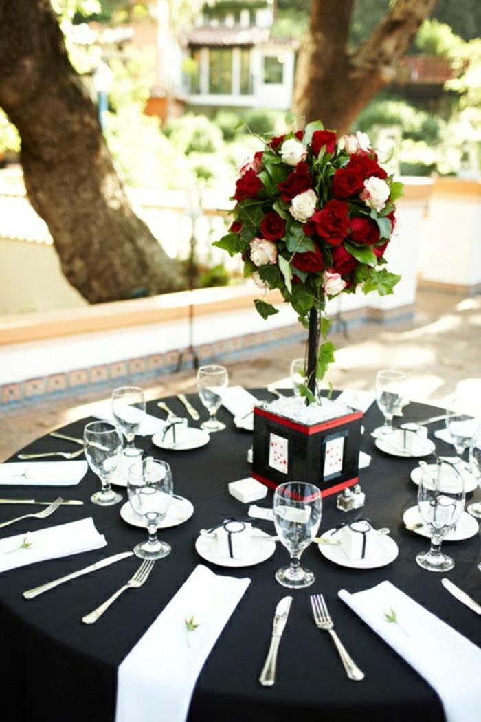 Disney-Alice-au-pays-des-merveilles-gâteau-mariage-fête-décoration-blanc-et-noir