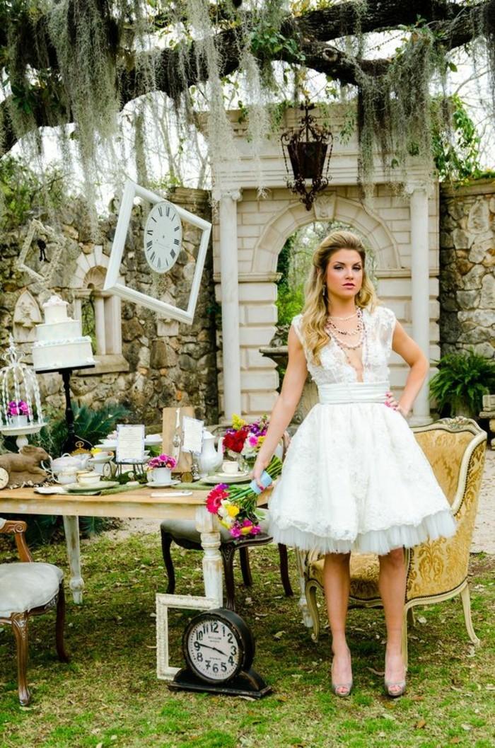 Idées-au-pays-des-merveilles-Alice-Disney-robe-de-mariée-robe-de-princesse-au-jardin