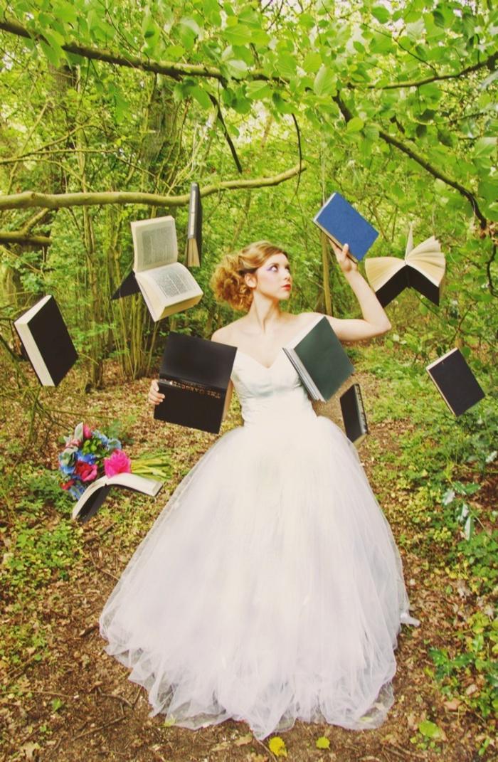 Idées-au-pays-des-merveilles-Alice-Disney-robe-de-mariée-robe-de-princesse-livres-jardin