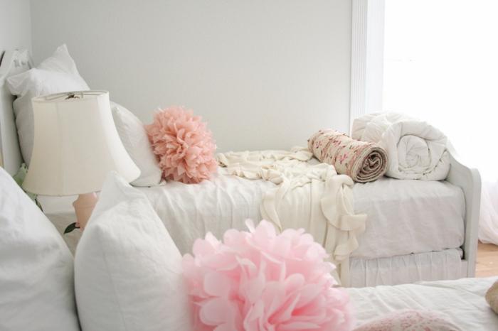Idées-déco-d-intérieur-le-coussin-design-pour-le-canapé-decoration-salon