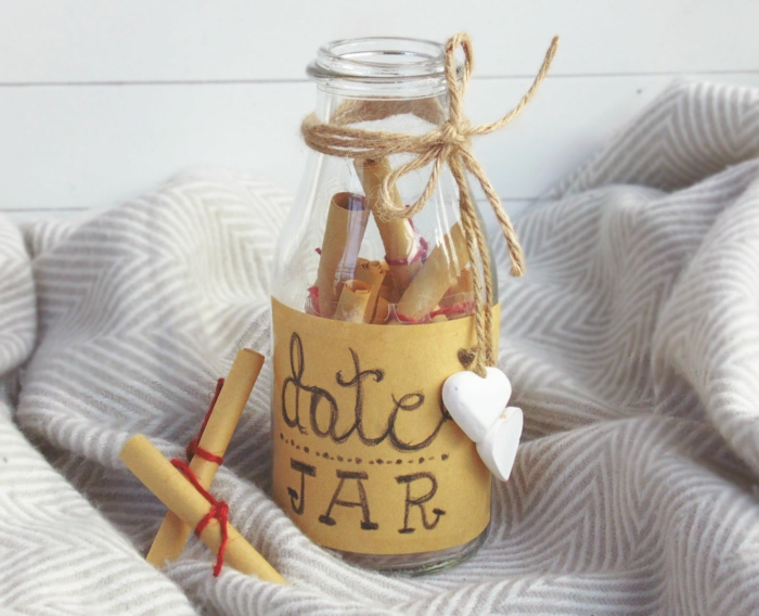 Une-idée-cadeau-original-femme-idée-originale-anniversaire-date-jar