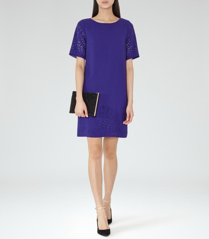 Une-robe-fluide-droite-chique-et-élégante-femme-mode-violet