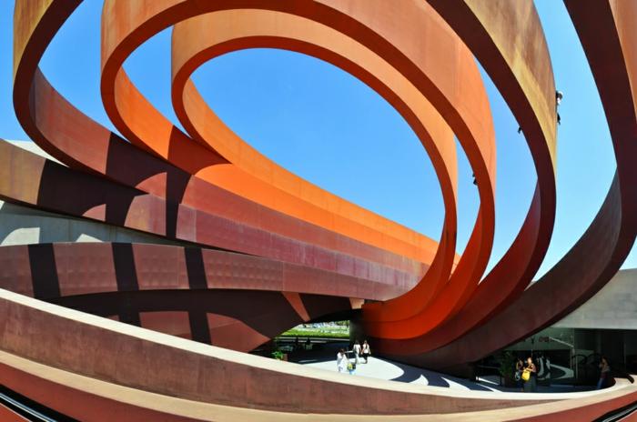 acier-corten-accroître-la-résistance-à-la-corrosion-atmosphérique-musée-art-contemporaine