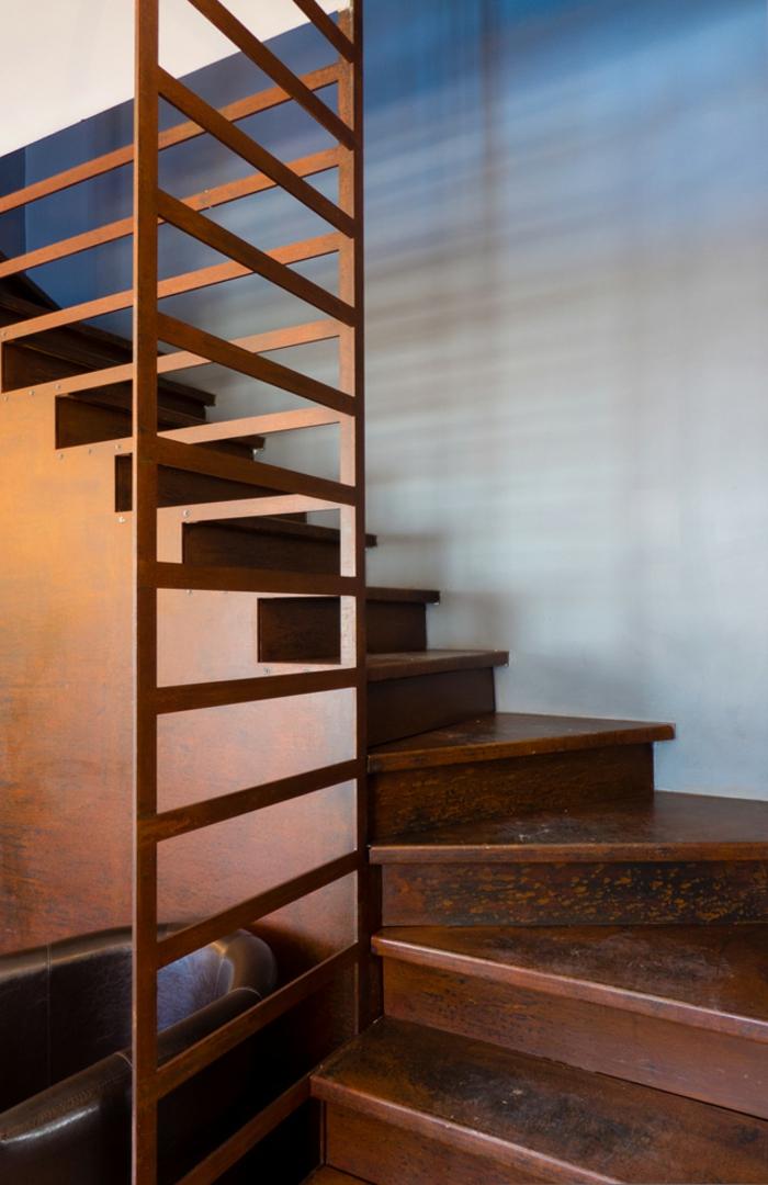acier-intérieur-corten-fournisseur-design-industriel-escaliers