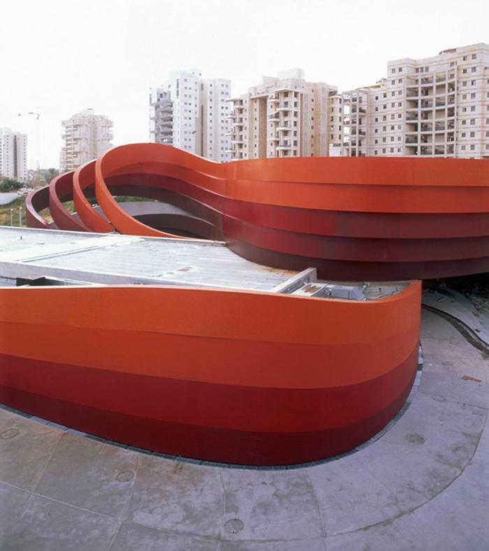 acier-patinable-sculpture-acier-faire-maison-contemporaine-musée-artistique
