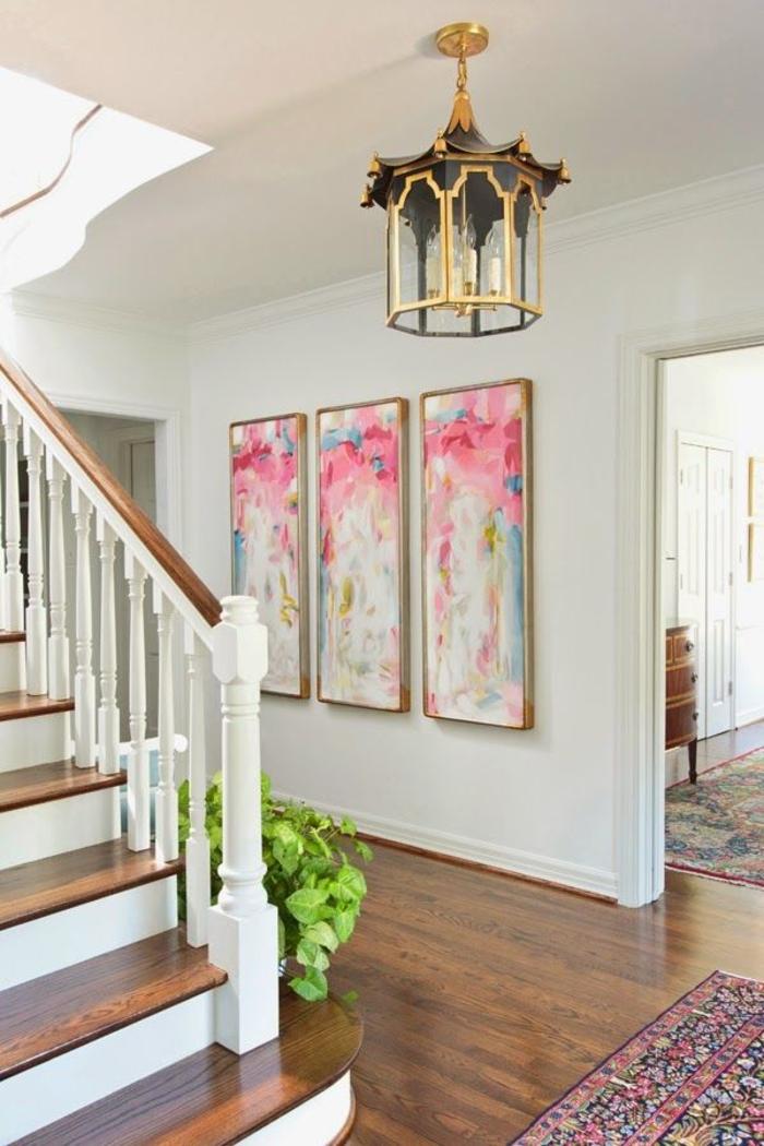 aménagément-entrée-salle-de-séjour-lustre-originale-dorée-bougies