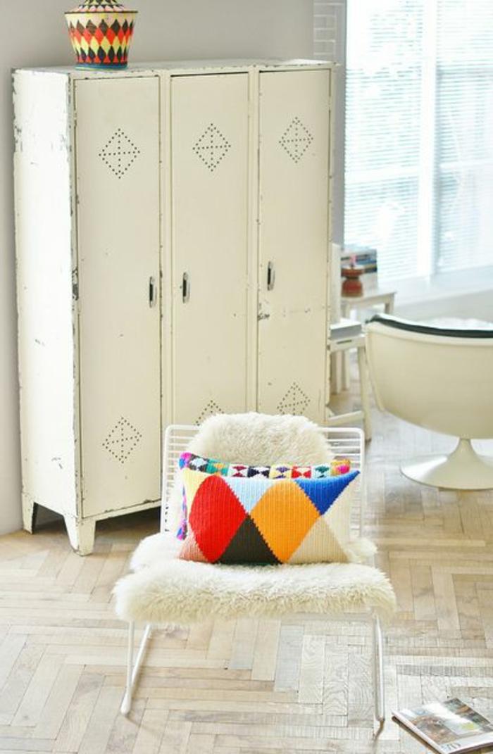 armoire-métallique-armoir-à-trois-ventails-couleur-blanche