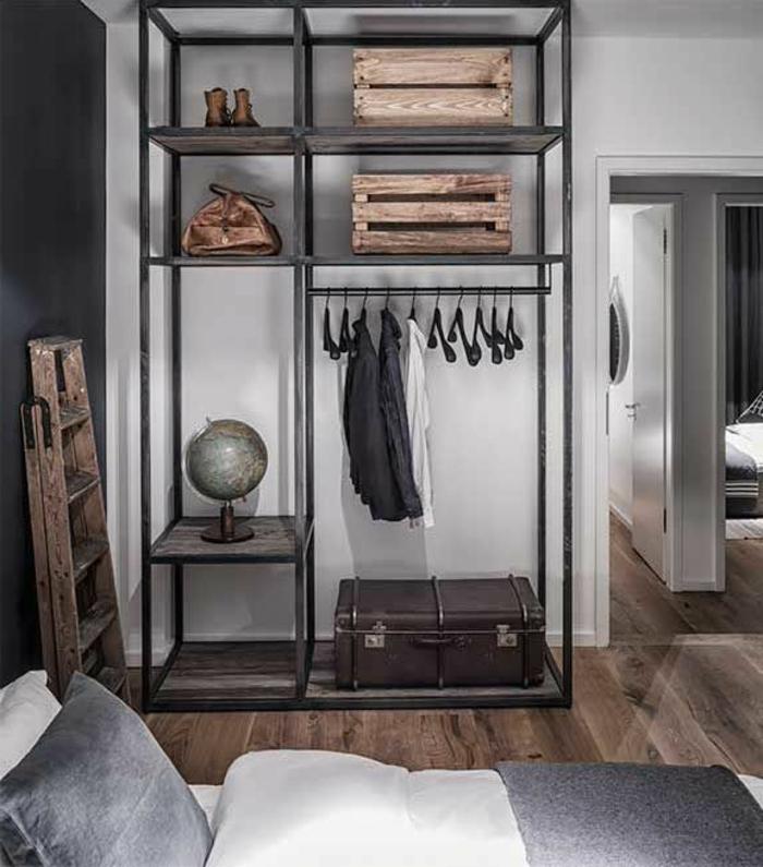 armoire-métallique-armoire-penderie-ouverte-très-stylée