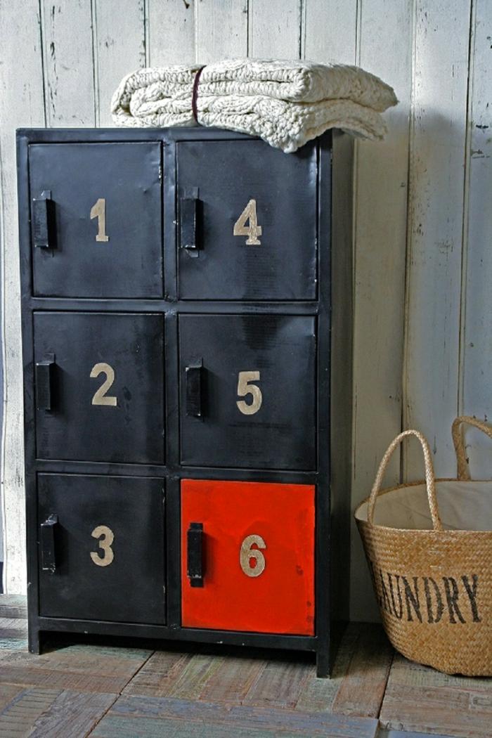 armoire-métallique-belle-armoire-ancienne-multicase