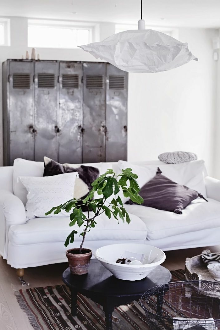 armoire-métallique-chambre-spacieuse-esprit-industriel