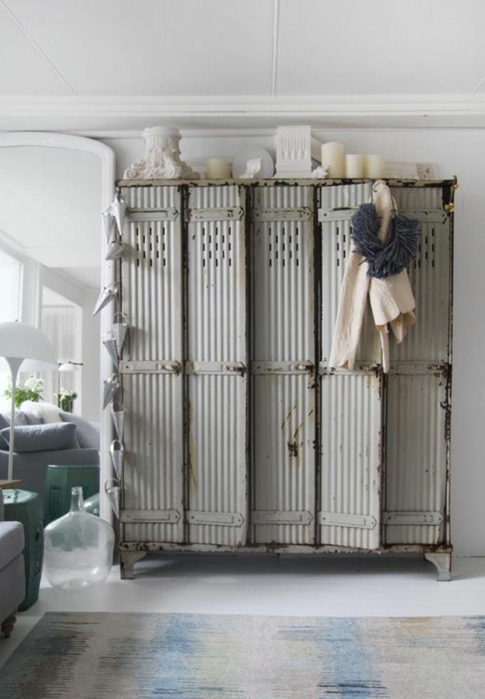 armoire-métallique-cinq-ventals-super-vintage-chic-en-gris