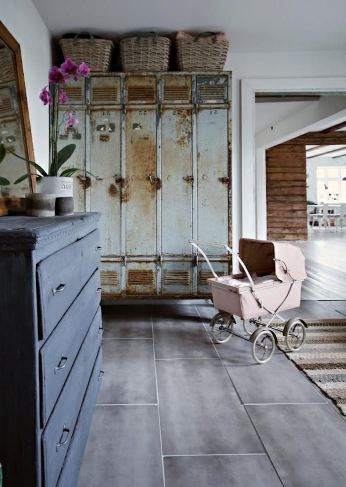 armoire-métallique-grand-vestiaire-métallique-une-demeure-spacieuse