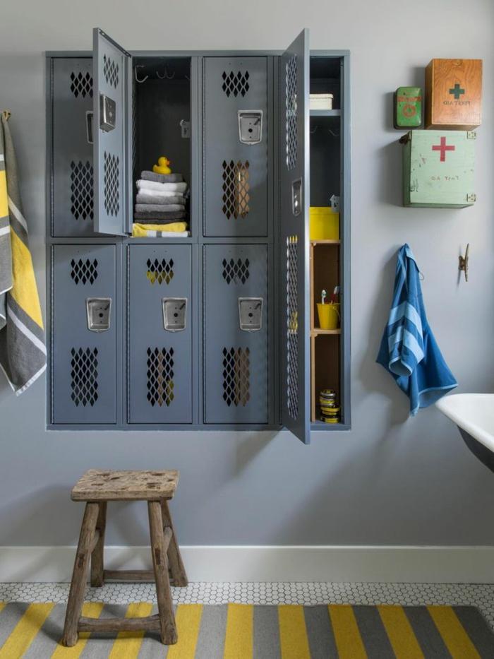armoire-métallique-intégrée-rangement-dans-la-salle-de-bains