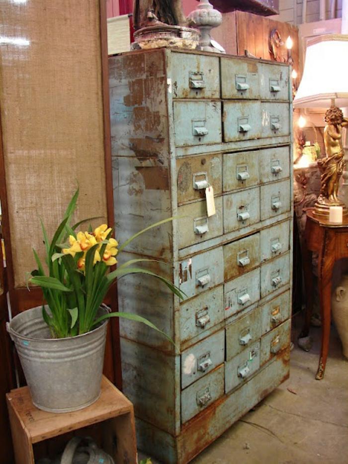 armoire-métallique-meuble-industriel-récupéré