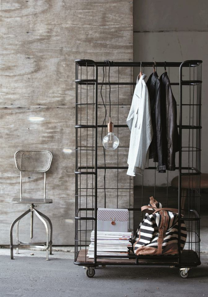 armoire-métallique-penderie-armoire-ouverte