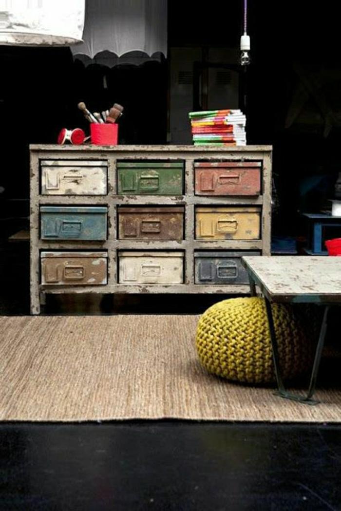 armoire-métallique-petite-armoire-métallique-casiers-peints