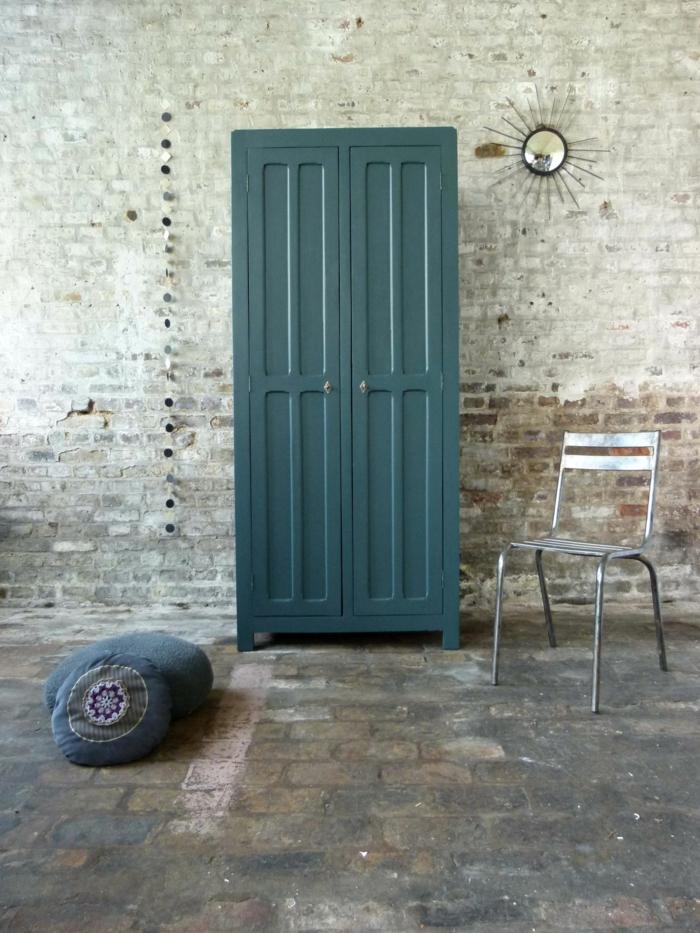 armoire-métallique-bleue-avec-deux-ventails