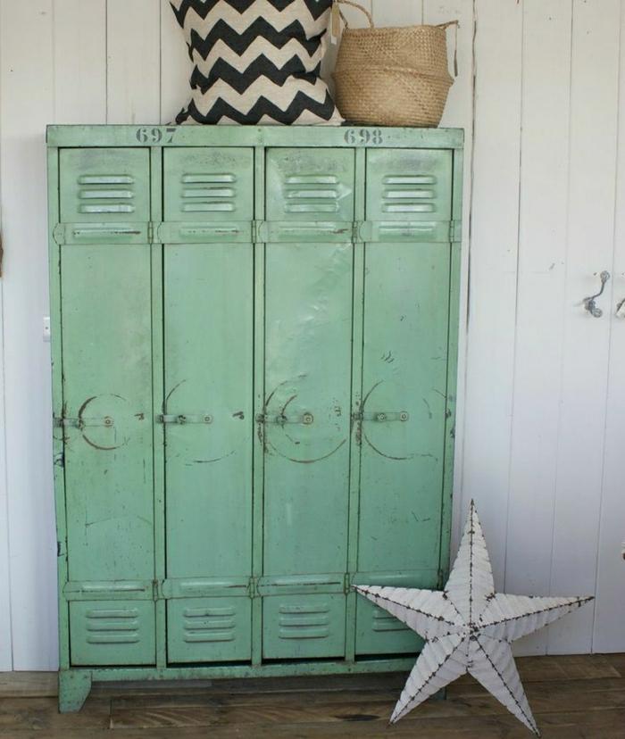 armoire-métallique-verte-meubles-de-rangement-récupérés