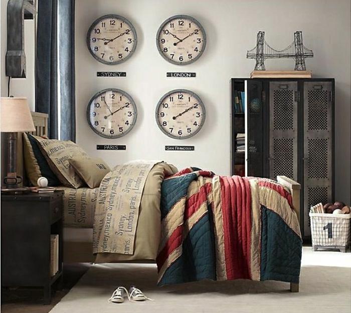 armoire-métallique-vestiaire-industriel-pour-la-chambre-de-garçon
