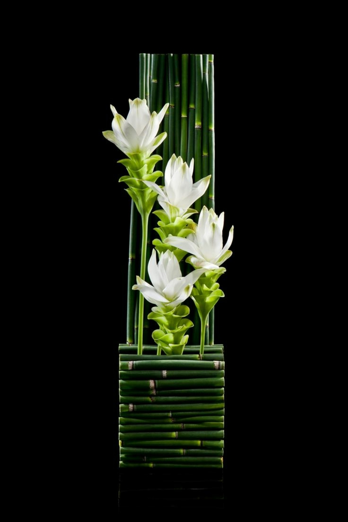 art-foral-moderne-arrangement-floral-extravagant