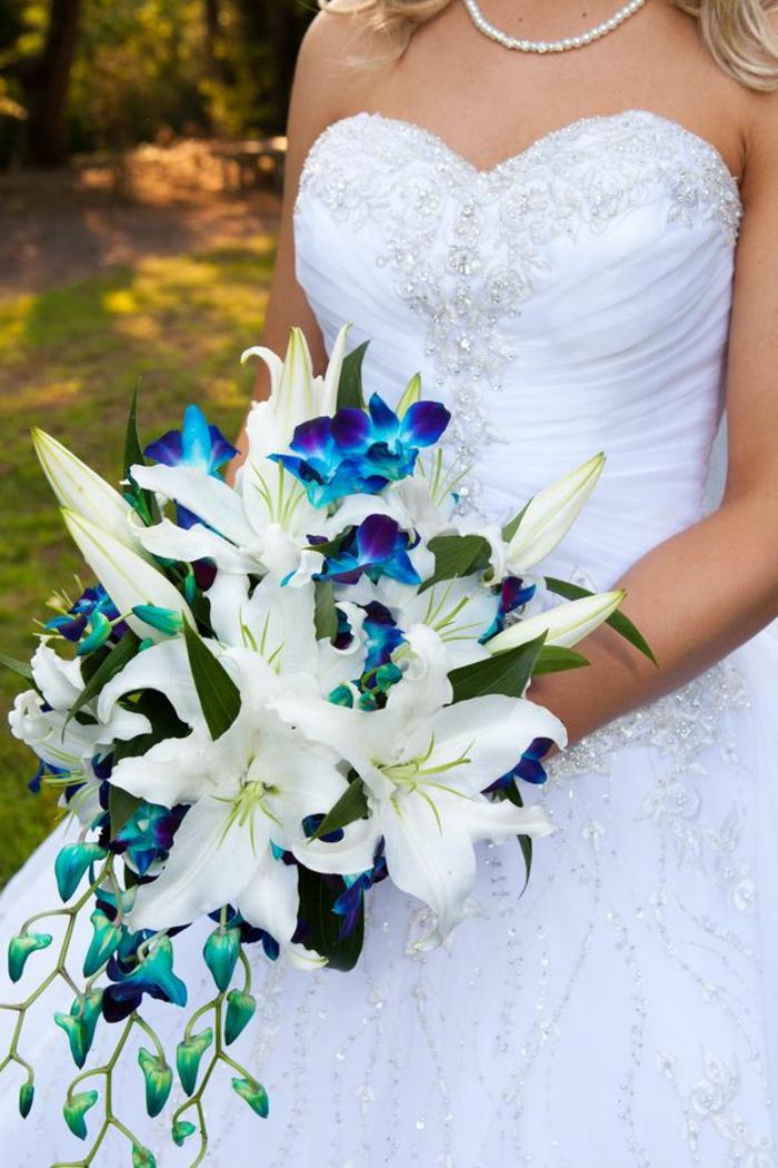 art-foral-moderne-bouquet-de-mariée-cascade