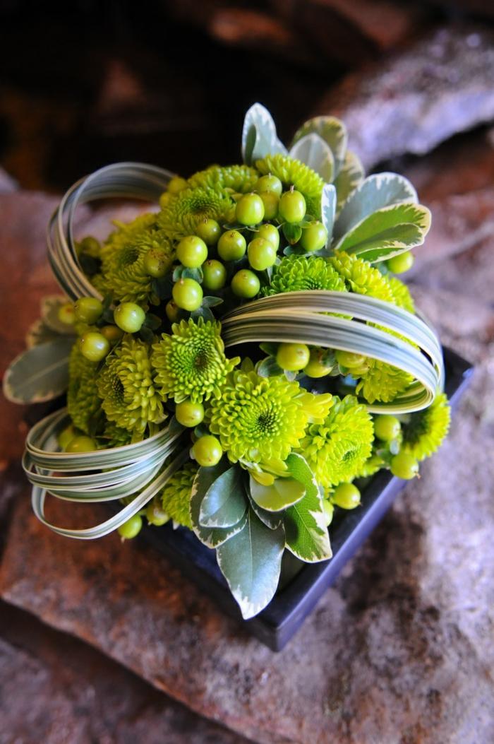 art-foral-moderne-composition-florale-en-vert