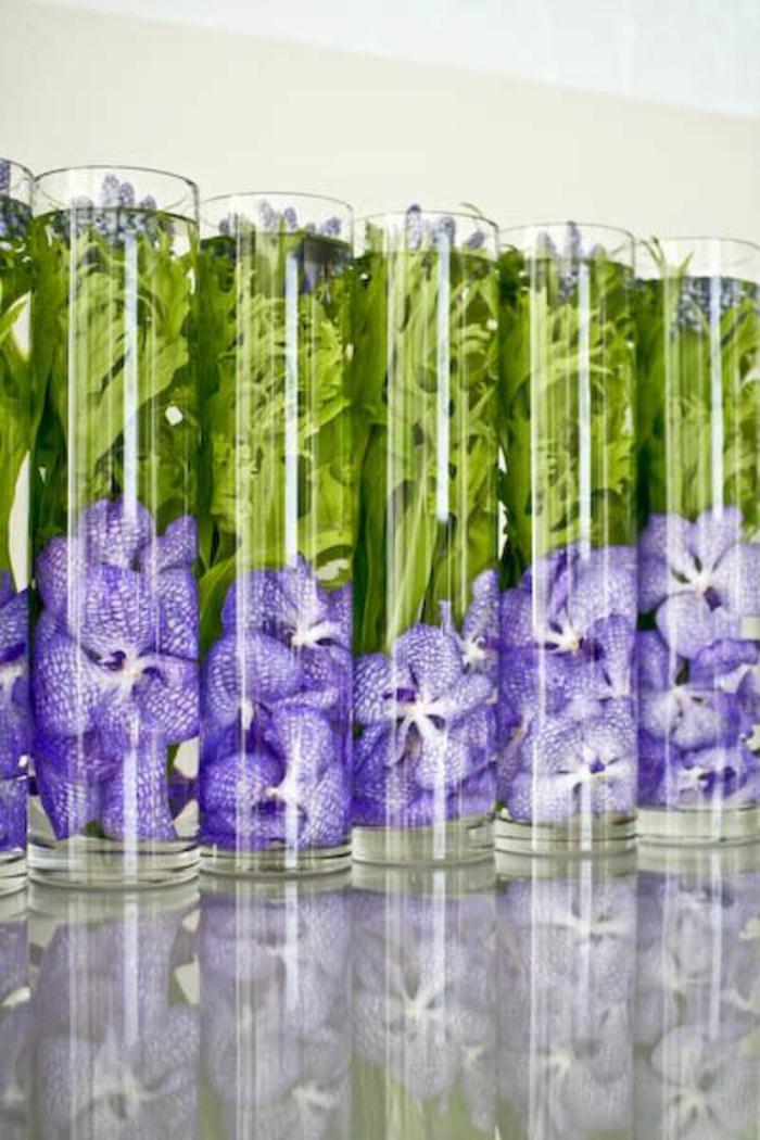 art-foral-moderne-en-vases-cylindriques