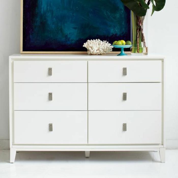 bahut-conforama-pas-cher-blanc-laqué-pour-le-salon-art-avec-une-jolie-peinture-murale