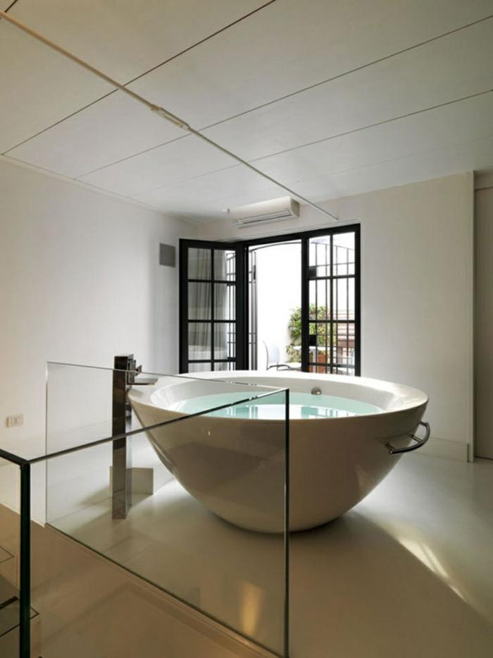 baignoire-ronde-disposition-originale-d'une-ronde-baignoire