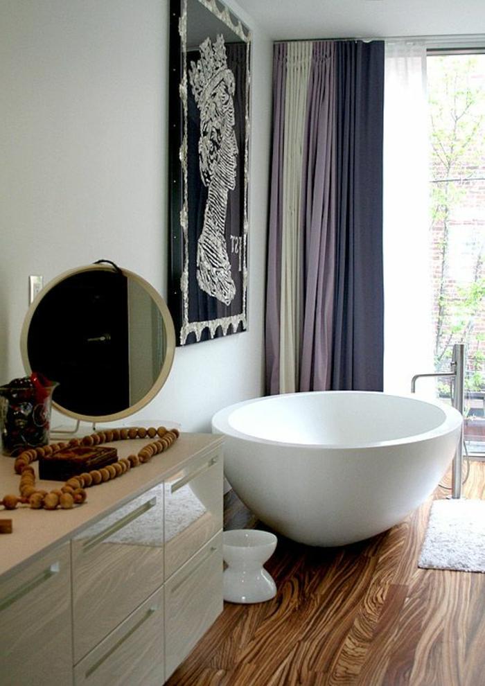 baignoire-ronde-en-blanc-dispositions-originales-de-baignoires