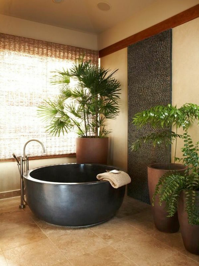 baignoire-ronde-plantes-vertes-déco-minimaliste