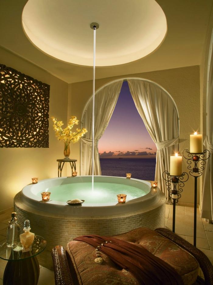 Grande Baignoire Ronde : Jolis décors avec une baignoire ronde archzine