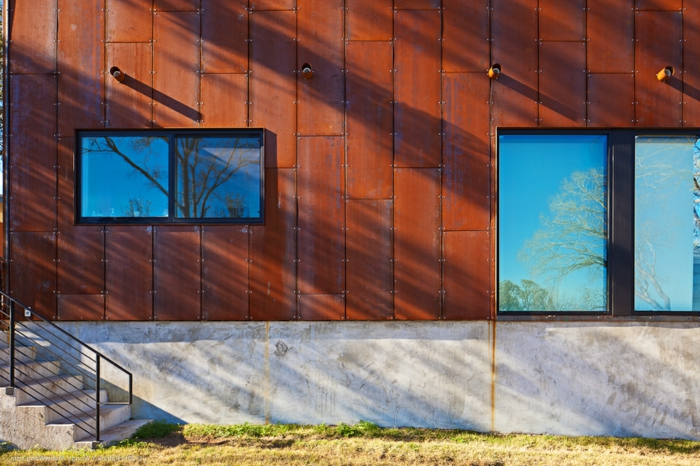 Barton Boulevard residence designed by Stuart Sampley Architect and built by Redbud Custom Homes. Interior stylings by Rebekah Gainsley of Little Pond Design.