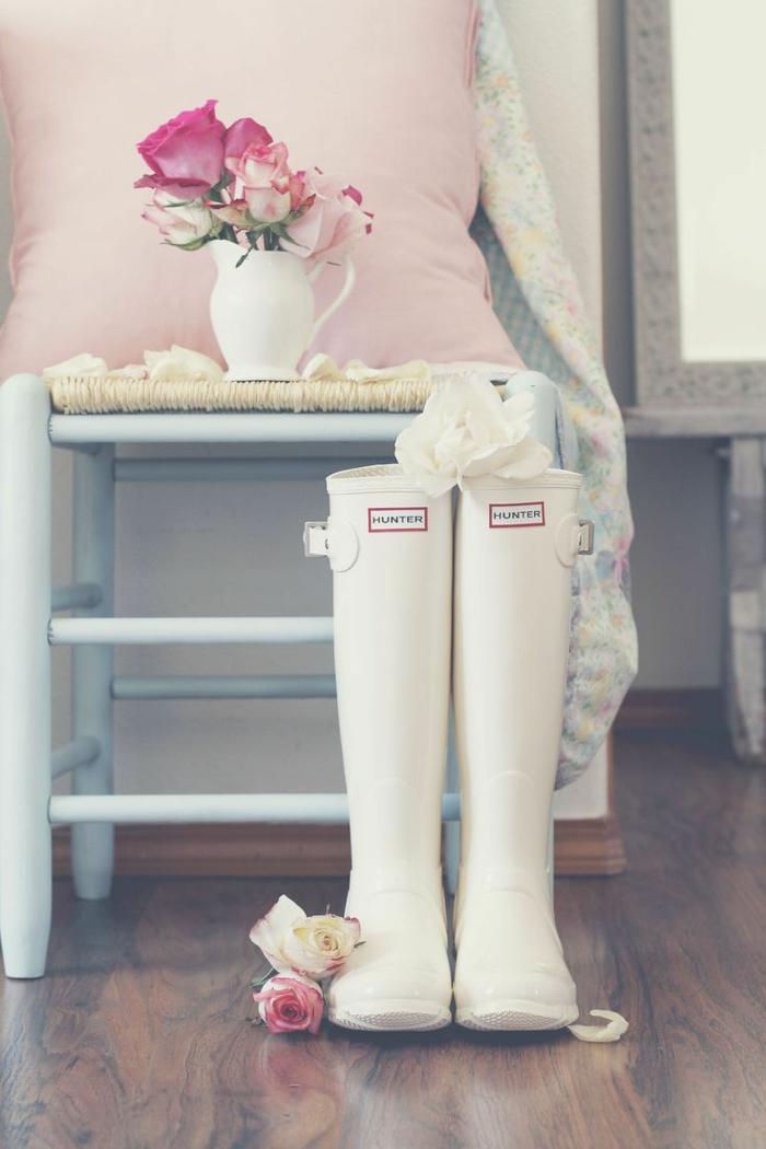 botte-aigle-bottes-en-caoutchouc-idées-shaussures-pluie-hunter-blanches-roses