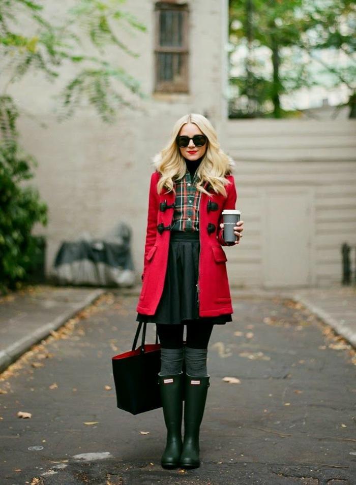 botte-aigle-bottes-en-caoutchouc-idées-shaussures-pluie-manteau-rouge-longue-femme-mode-automne-2015-2016