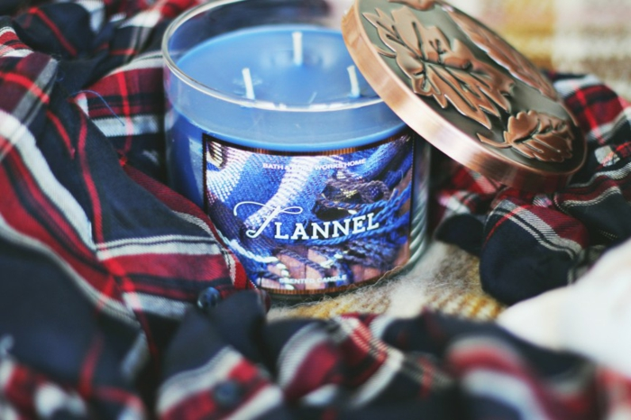 bougie-diptyque-bougie-parfum-bague-avec-pendentif-idées-déco-intérieur-aromat-amazing