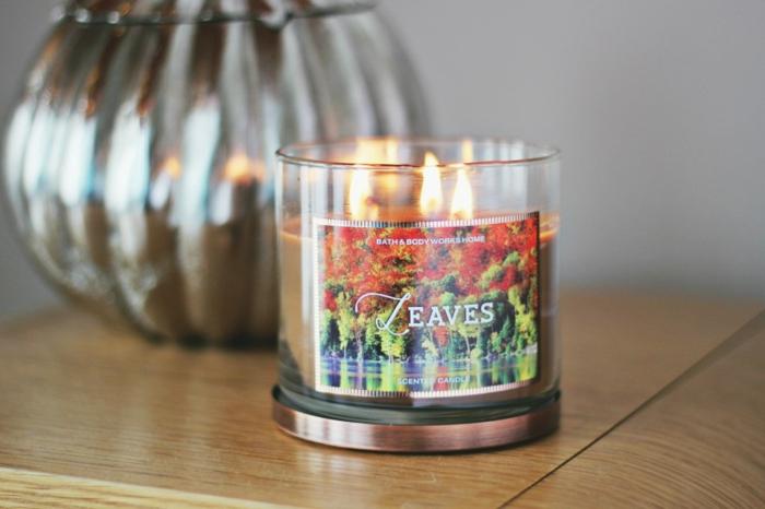 bougie-diptyque-bougie-parfum-bague-avec-pendentif-idées-déco-intérieur-automne-collection-feuilles