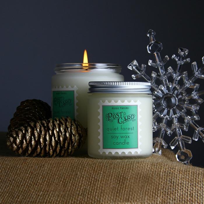bougies-parfumées-idées-pour-la-déco-aromate-de-votre-maison-blanc-et-dorée