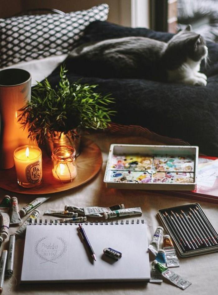 bougies-parfumées-idées-pour-la-déco-aromate-de-votre-maison-chat