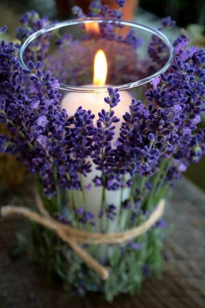 bougies-parfumées-idées-pour-la-déco-aromate-de-votre-maison-lavande-violet